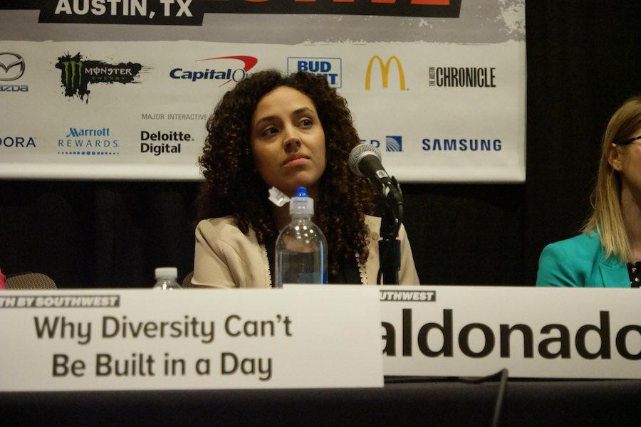 세션의 제목을 보자. '다양성은 왜 하루 아침에 만들 수 없는 걸까'